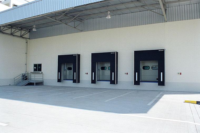ศูนย์กระจายสินค้า (warehouse) ติดฉนวนกันความร้อน IXL